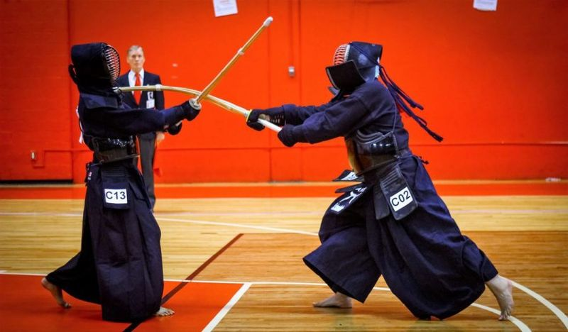 kendo sword fighting