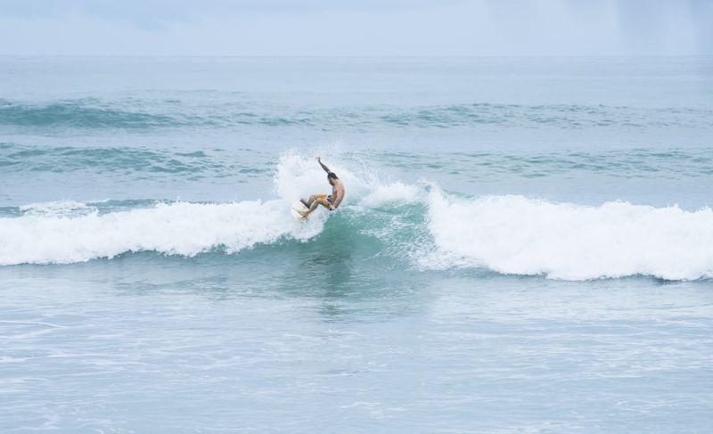 surfing-playa-carmen-costa-rica