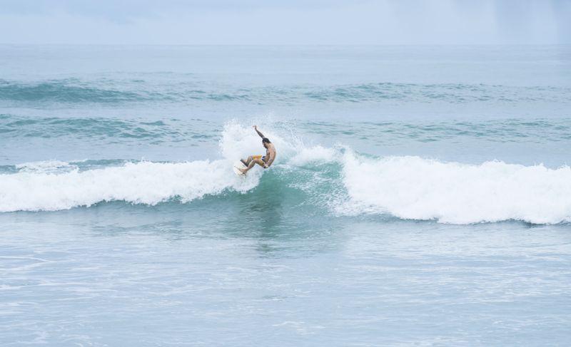 surf-playa-carmen-santa-teresa-costa-rica
