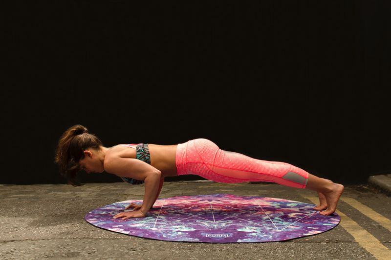 yoga-surfers-chaturanga-dandasana