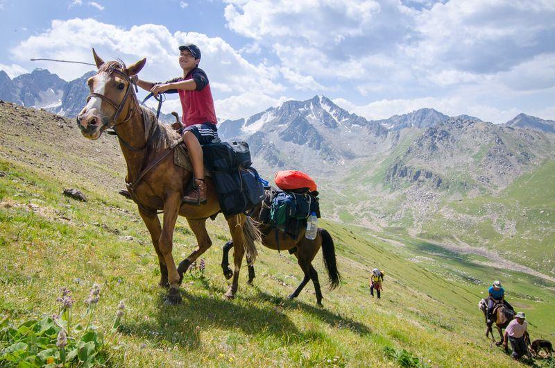 horse-camping-kyrgyzstan