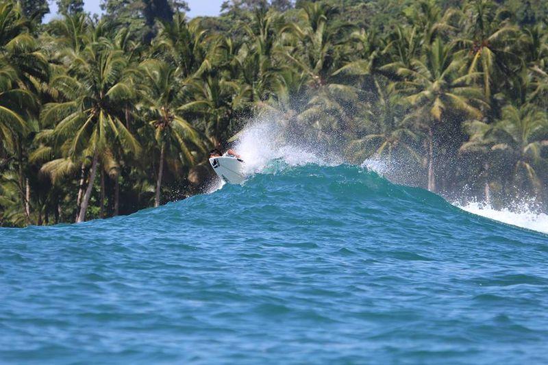 surf-beng-bengs-mentawai