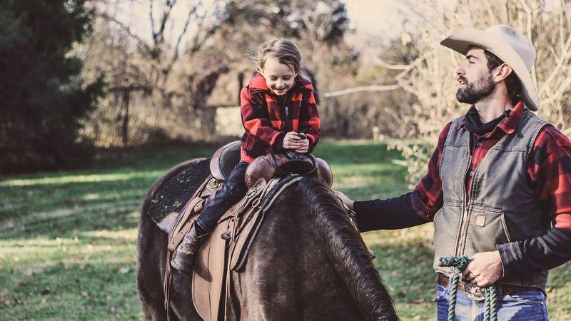 family-horse-riding-holidays