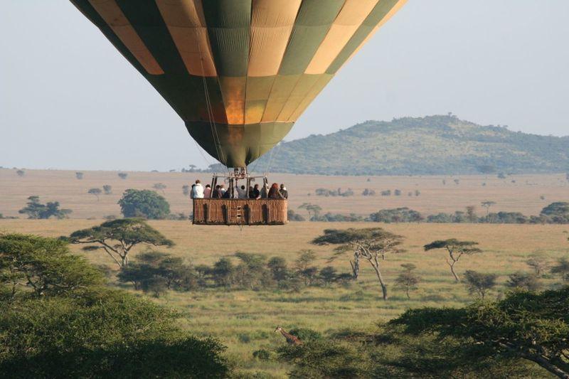 hot air balloon ride over the serengeti