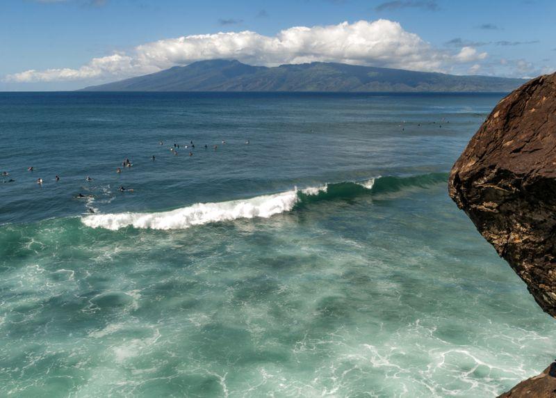 surf-honolua-bay-maui