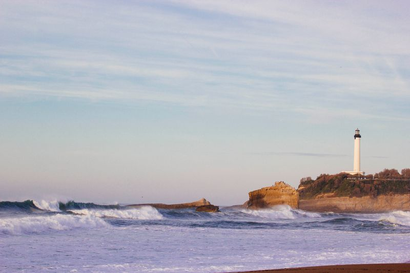 surfing-biarritz-france