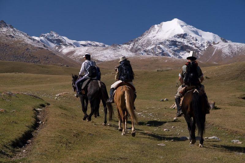 horse-riding-kyrgyzstan