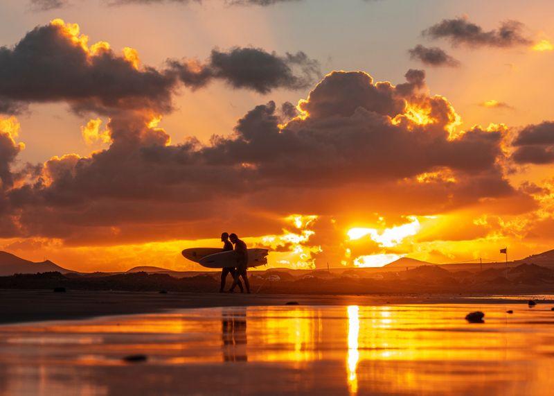surfing-famara-lanzarote