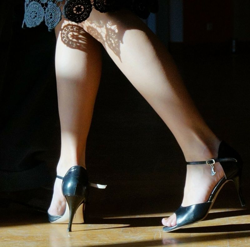 legs of tango dancer