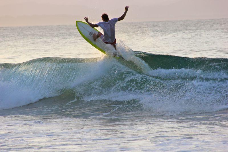 surf-matara-sri-lanka