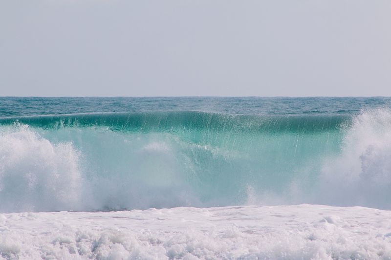 la-ola-verde-cuyutlan-mexico