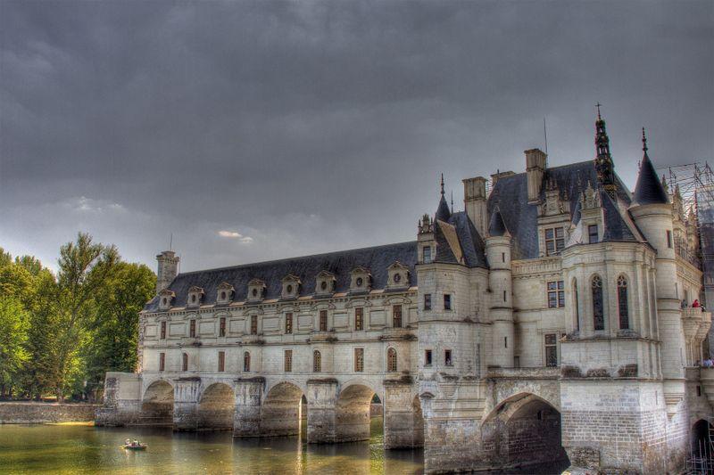 chateau-chenonceau-loire-valley