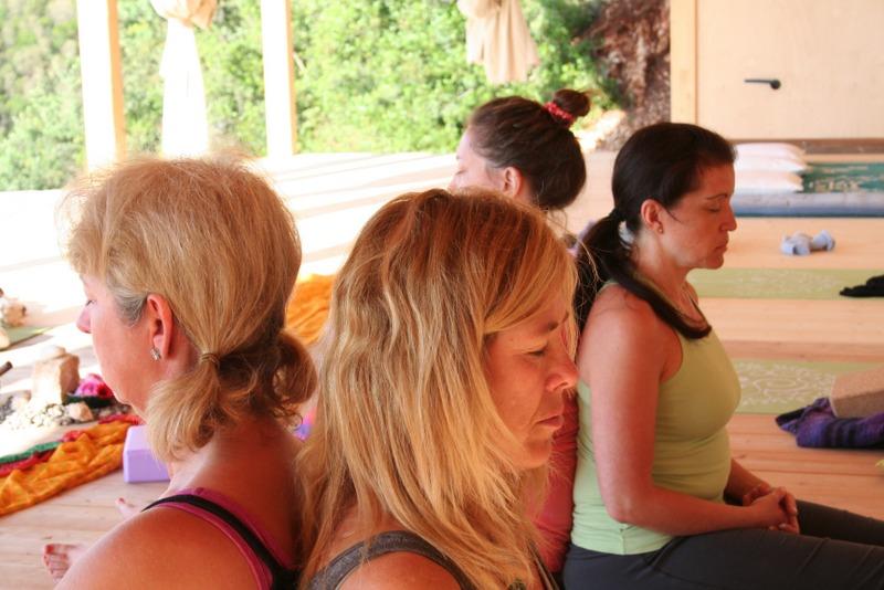 partner-yoga-retreat