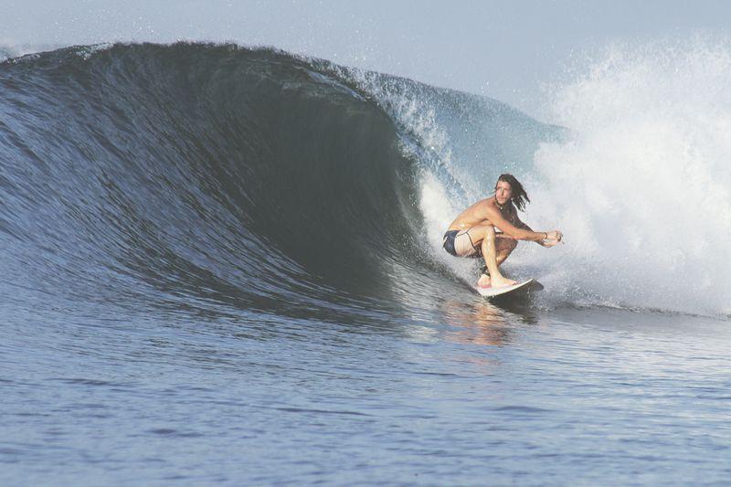 surfing-Sumbawa-Indonesia