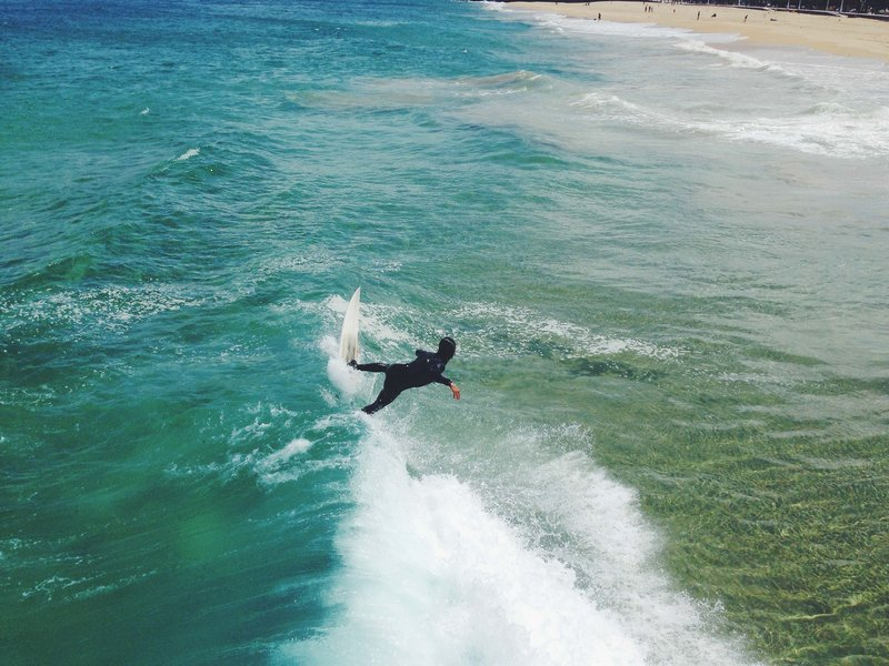 travel tips for women surfers