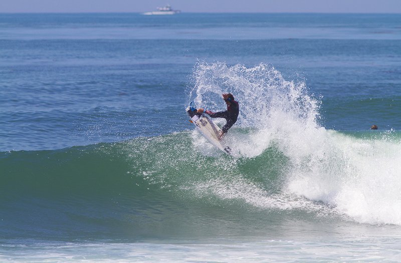 griffin-colapinto-surfer