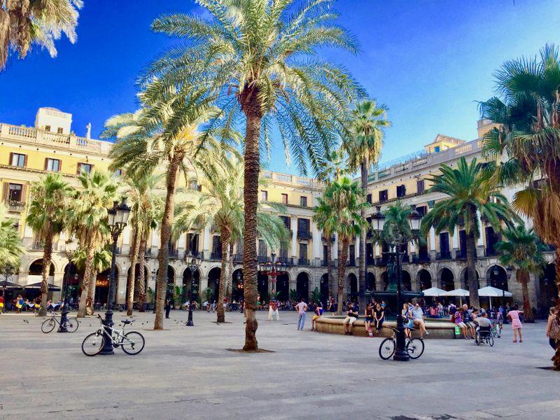 royal plaza in barcelona