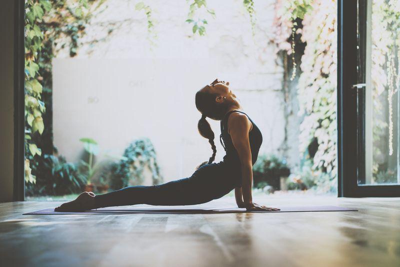 januhastasana yoga pose