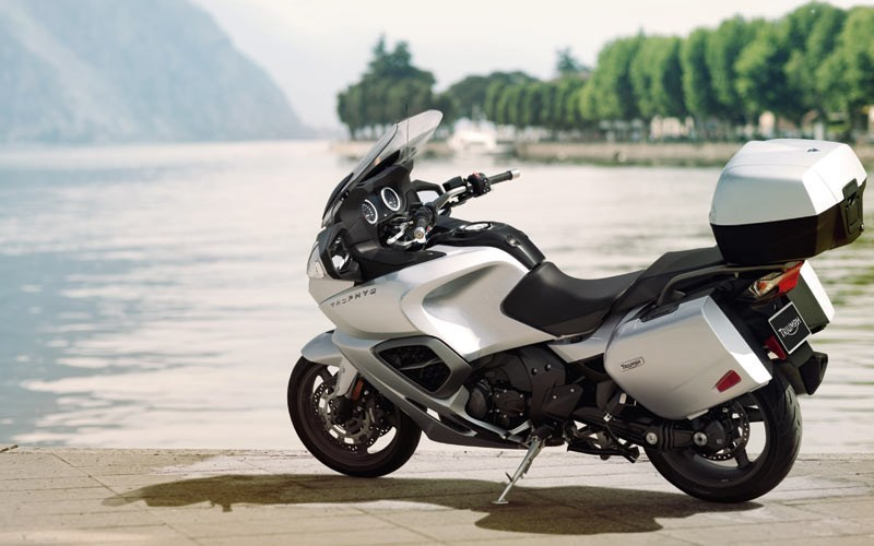 The 12 Best Touring Motorcycles for the Wide Open Road [2019