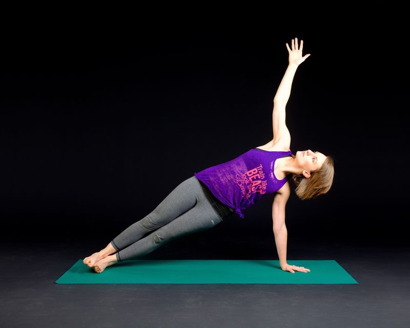 yoga-for-surfers-side-plank