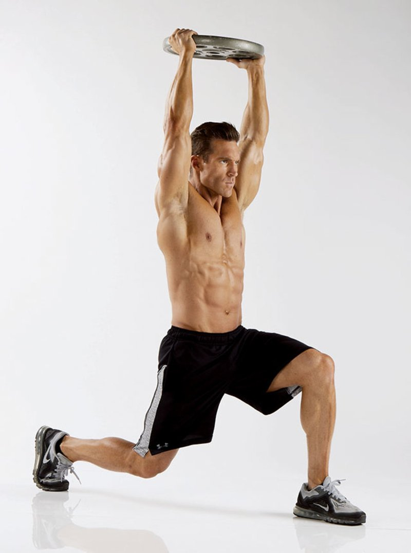 overhead-walking-lunges
