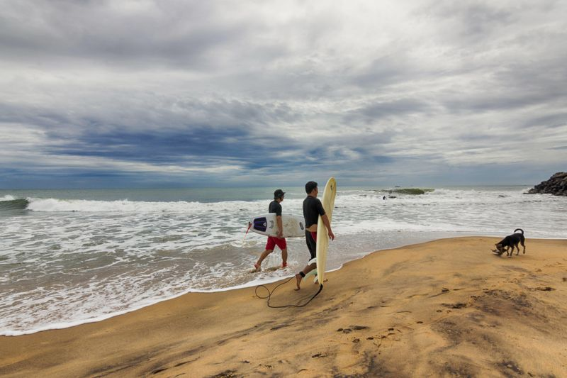 surfers-mahabalipuram-india