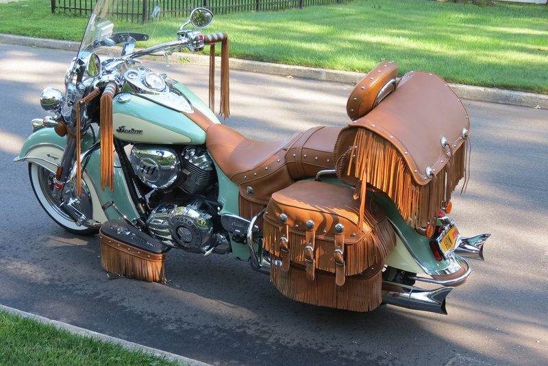motorcycle-leather-saddlebags