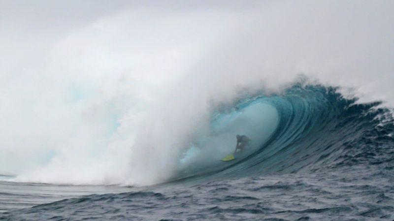 surf-cloudbreak-fiji