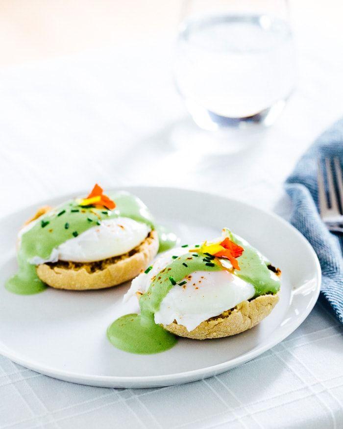 Matcha-Eggs-Benedict