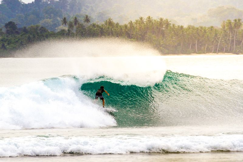 surfing-indonesia