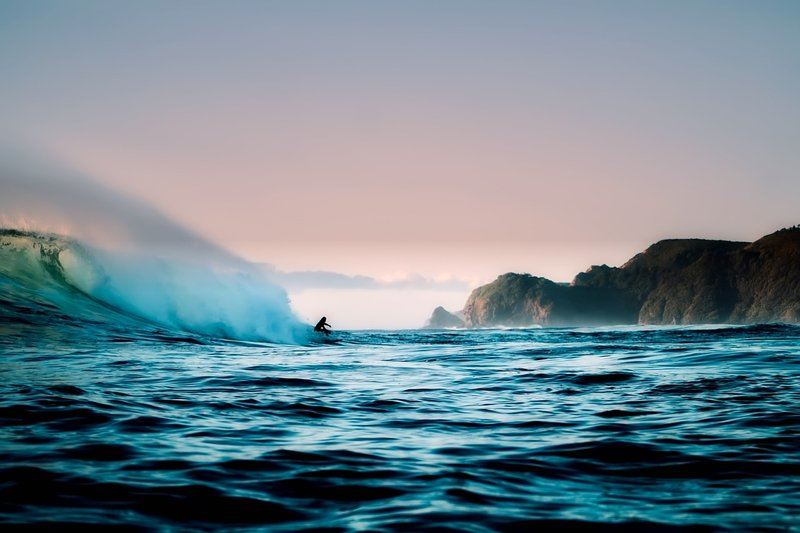10 Sensational Guinness World Records in the World of Surfing - BookSurfCamps.com