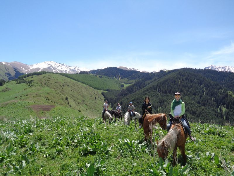 horse-riding-tour-kyrgyzstan
