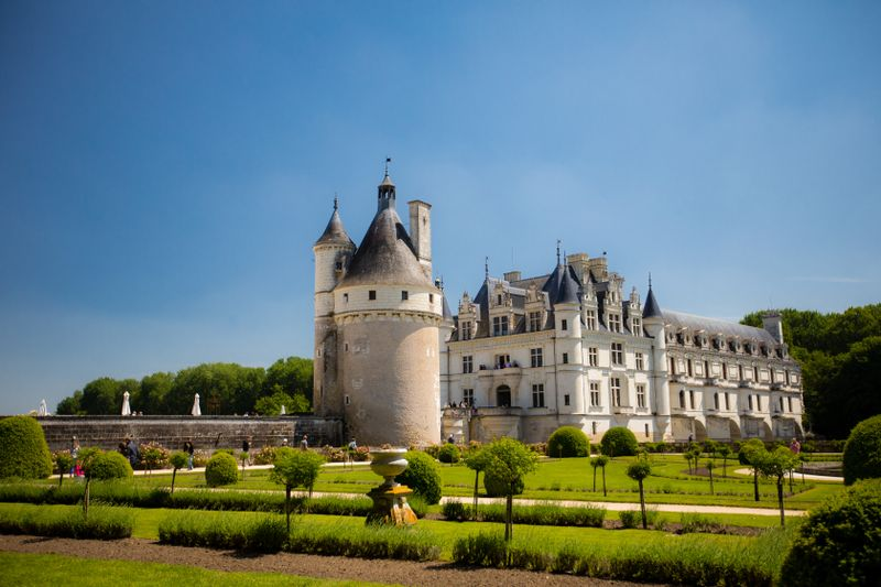 chateau-chenonceau-france