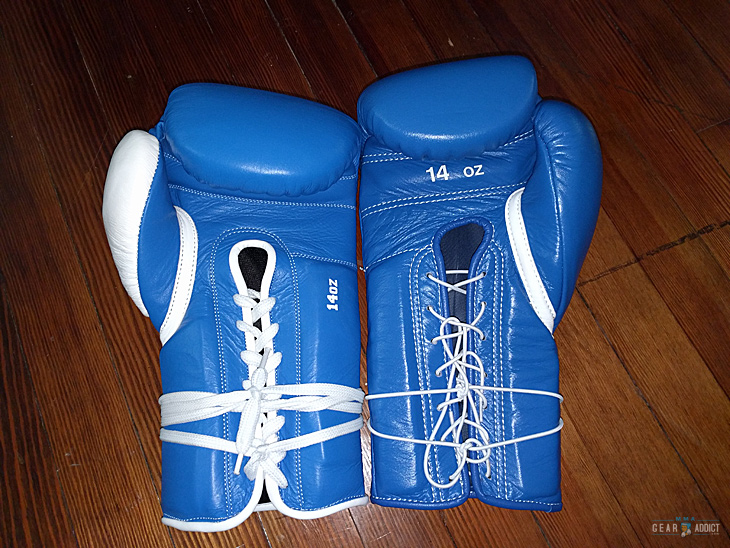 Boxing gloves lacing