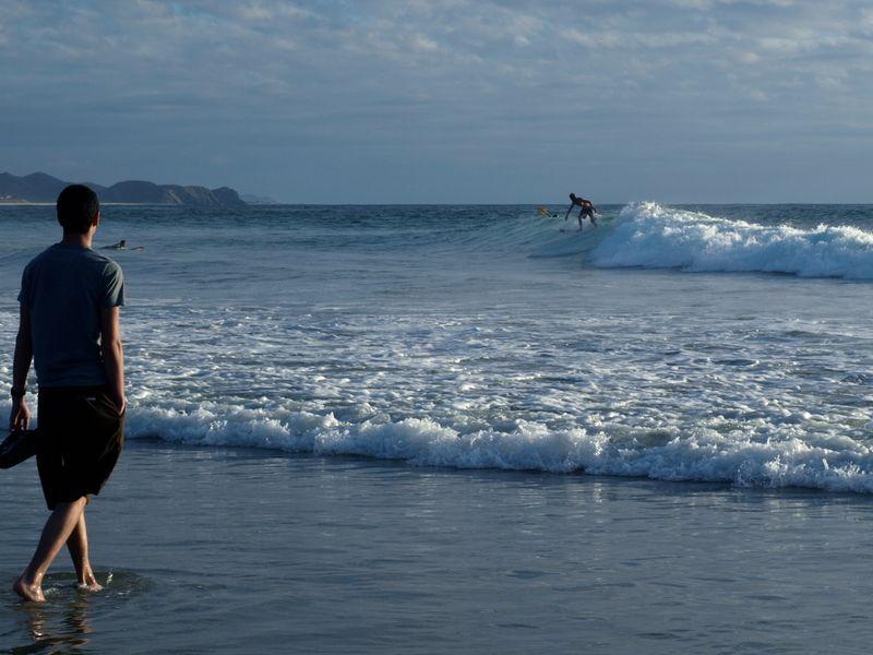 surfing-todos-santos-mexico