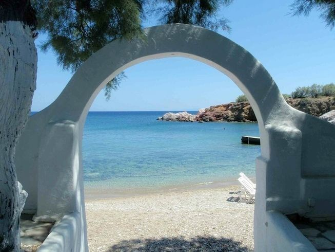 paros yoga retreat in greece