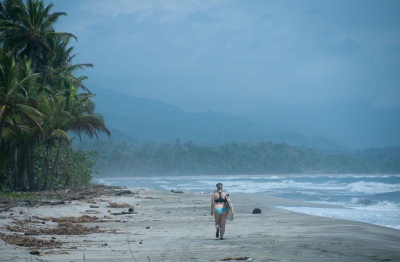 surfing-Mata-de-Platano-Colombia