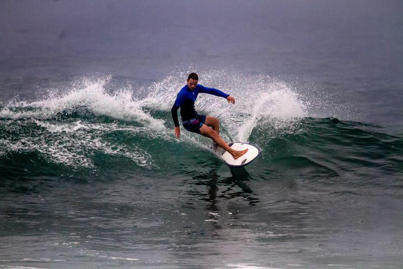 surf-padang-padang-bali