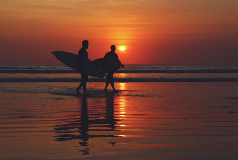 surfing-bali