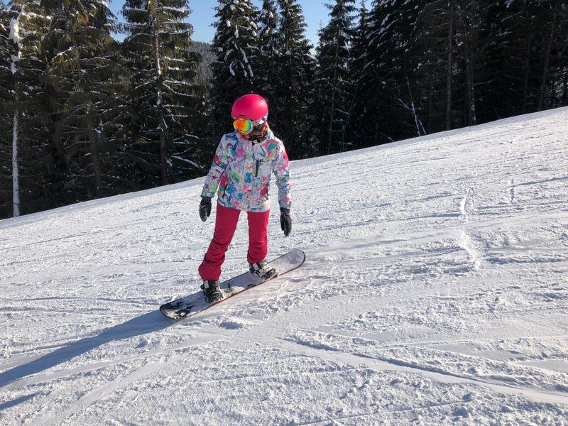 anna ivanovna snowboarding in bukovel