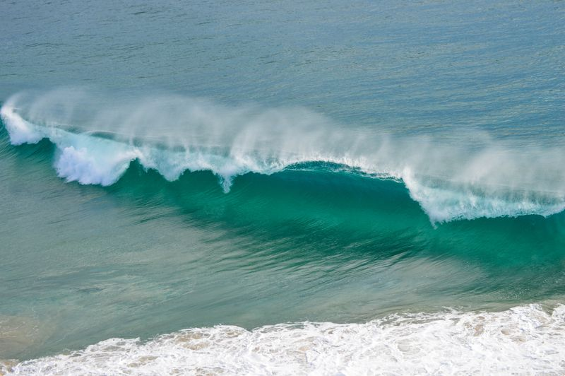 closeout-wave