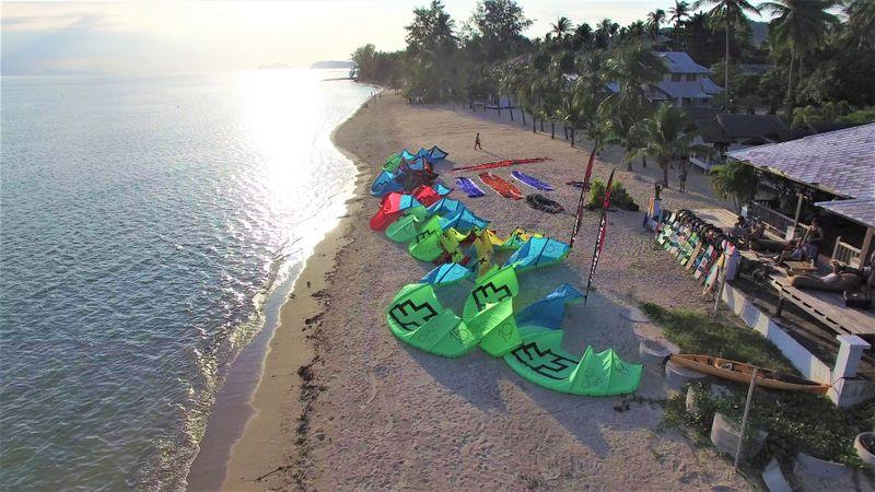 kitesurfing-Pak-Nam-Pran-thailand