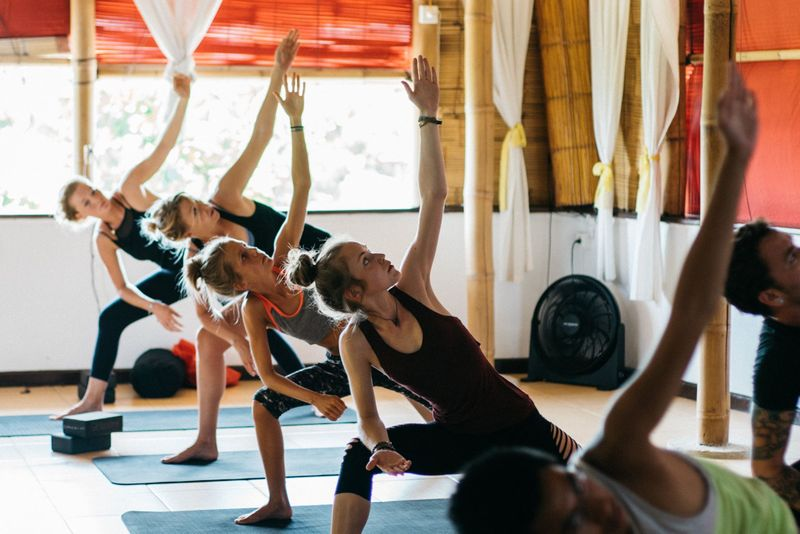 yoga retreat in indonesia