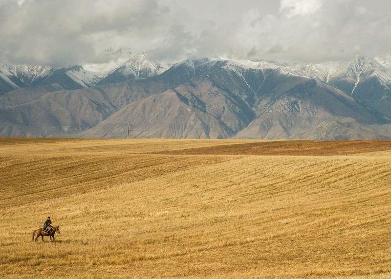 horse-riding-issyk-kul-lake-kyrgyzstan