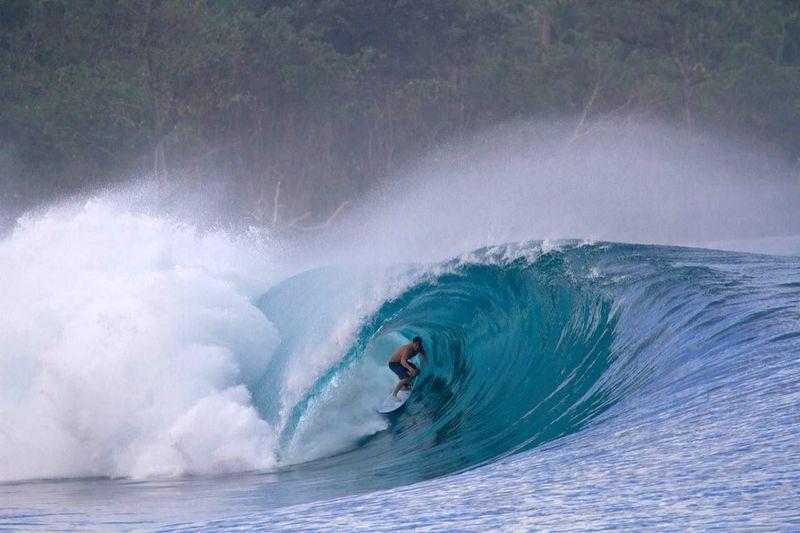 surf-greenbush-mentawai