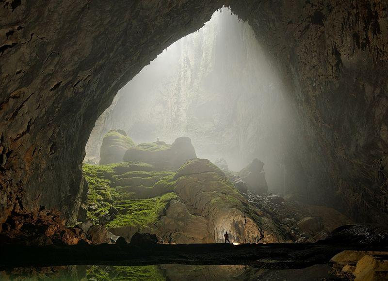 cave tour vietnam