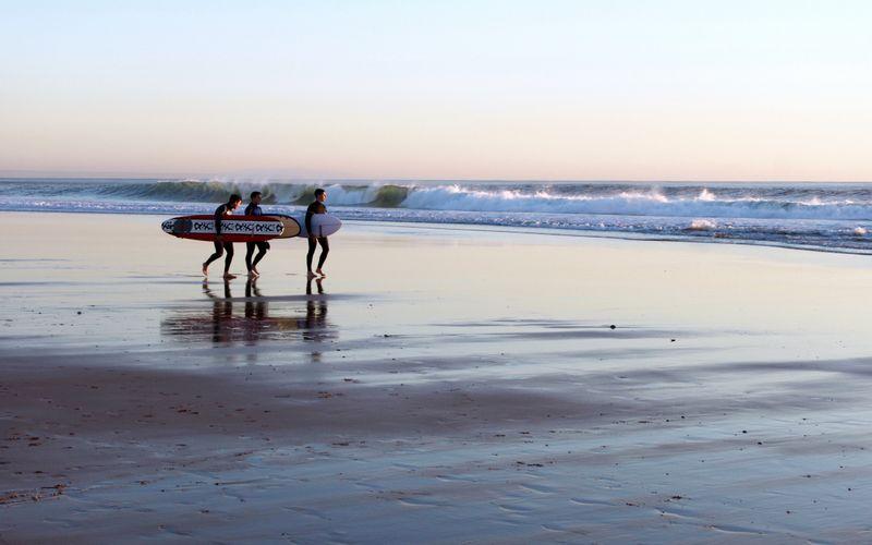 surf-carcavelos-lisbon-portugal
