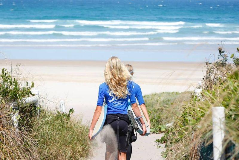 surf-camp-byron-bay-australia