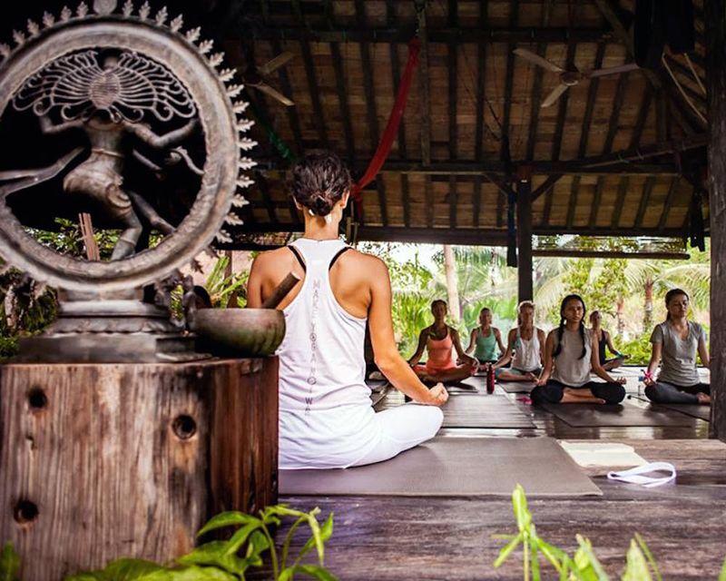 yoga retreats Indonesia