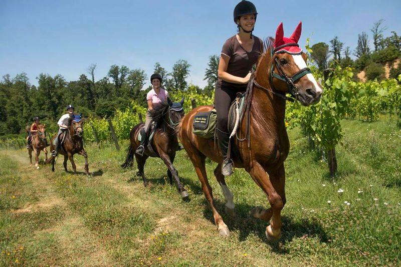 horse-riding-tuscany